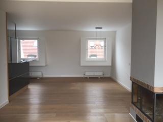 offene Küche und Essen Glockenbachviertel: 3 Zimmer Dachterrassenwohnung mit Kamin zu vermieten