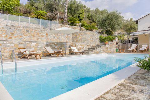 Piscina Luxuriöse Villa mit herrlichem Meerblick