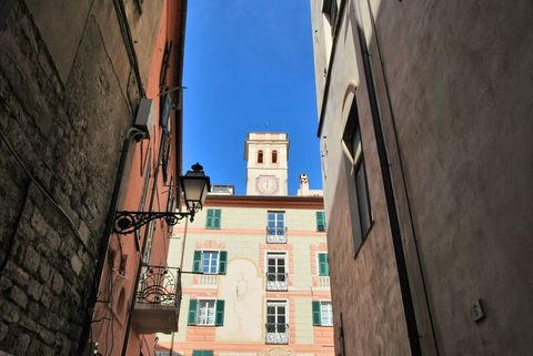 Scorcio Charmantes Penthouse mit eigenem Glockenturm