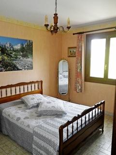 Schlafzimmer 1 Südfrankreich?... Warum eigentlich nicht?!<br /> <br /> Anwesen mit 3 Wohnungen und Pool in ruhiger Lage.
