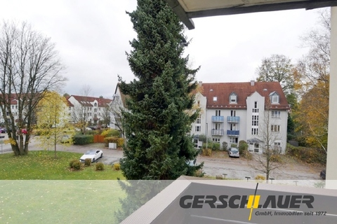 Blick nach Westen Aufwändig renovierte, sonnige 2-Zi.-Wohnung mit Westbalkon in ruhiger, zentraler Lage