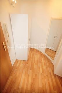 Diele AbacO Immobilien*TIPP: Schick möbliertes Cityappartment, EBK,TLB Wanne 1.OG im Stadtzentrum Leipzig
