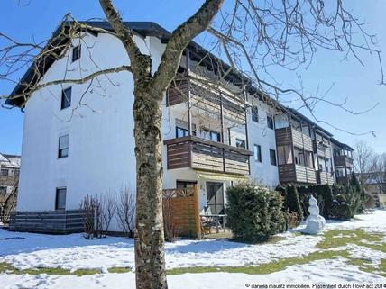 Hausansicht Westen Ansprechende Terrassenwohnung mit drei Zimmern in ruhiger Lage