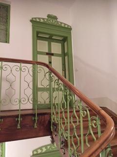 Treppenhaus Maxvorstadt/zu Verkaufen: Altbau 3 Zimmer Whg. mit Balkon und Lift