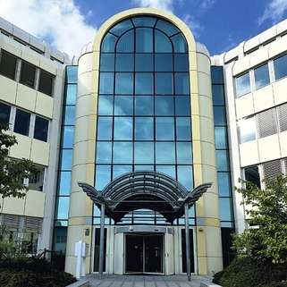 Eingang1 Top-Büros vor Münchens Toren