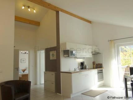 Bild 2 FLATHOPPER.de - 2-Zimmer Wohnung im Studiocharakter mit Balkon in Bad Endorf - Landkreis Rosenheim