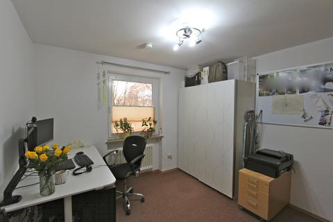 Kinder-/Arbeitszimmer Ideal geschnittene 3-Zimmer-Wohnung in ruhiger, grüner Lage nahe Lerchenauer See