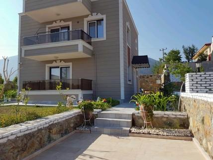PTR0231_mvc-001f.jpg Freistehende Villa in Izmir