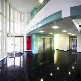 Foyer Moderner Standard zum moderaten Preis