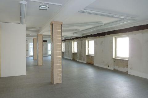 Obergeschoss Büroräume/Laden in bester Lage in Regen zu vermieten