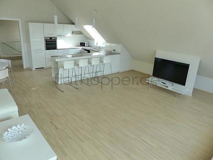 Bild 3 FLATHOPPER.de - Exklusive, lichtdurchflutete 3,5-Zimmer-Dachgeschoss-Wohnung mit Dachterrasse in St