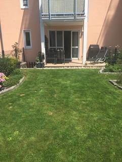 Garten Liebevoller Garten in Karlsfeld: 3,5 Zimmer Whg. über 2 Etagen
