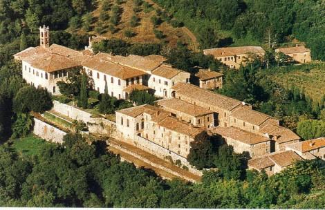 N1080032_mvc-001f.jpg Grosses Landgut im Herzen der Toscana mit Burg + 23 Häusern