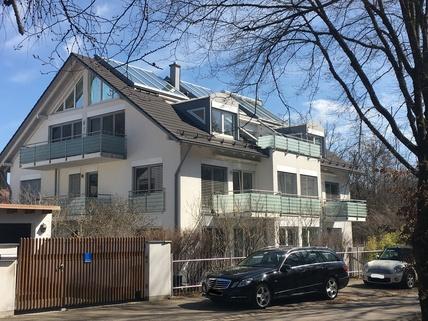 Bild 11 Mit Blick in den Park: Helle 3-Zi-Wohnung im 1.OG mit EBK, 2 Bäder und 2 große Balkone!