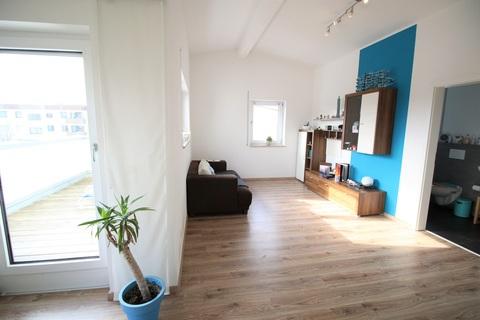 Schlaf/Wohnzimmer mit eigenem Badezimmer Neuwertige DHH mit sehr gutem Energiestandard