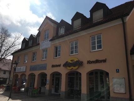 Hausfront Aschheim Zentrum Büroetage in zentraler Lage in Aschheim bei München - Teilung möglich