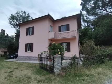 PI0430_mvc-001f.jpg Idyllisches Haus mit grossem Garten