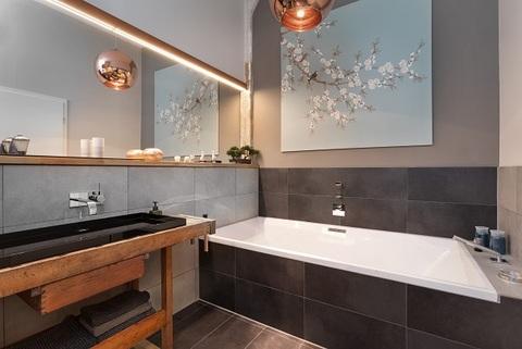 Bad Berlin-Friedrichshain: wunderschöne, helle 3 Zimmer Wohnung inkl. maßgefertigter Inneneinrichtung zu verkaufen