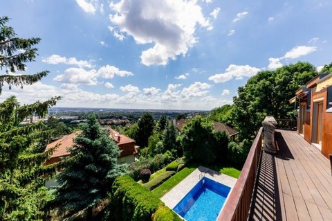 PH0419_mvc-001f.jpg Wohnung in Budapest mit Blick auf Grünanlage