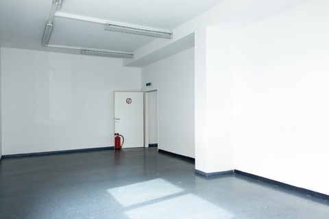 IMG_ExYello_cmyk_20180410_06 (Large) Verkaufs- und Ausstellungsflächen in Schwaz