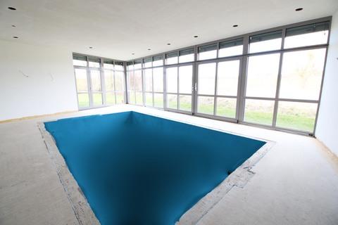 Schwimmbad Erstbezug! Villa in traumhaft ländlicher Lage
