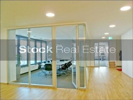 Konferenz_prot STOCK - Imposante Büroräume!