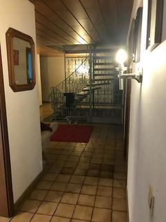 Vorraum m. abgetrennten Wohnungszugängen MFH Pichl b. Wels Mehrfamilienhaus für WIRKLICH große Familie mit bis zu 4 Wohneinheiten