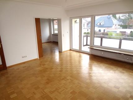 ...Wohnzimmer **Rarität in Waldtrudering**Stilvolle 4-Zi-Etagen-Whg. mit S/O-Balkon+West-Garten im 2-Familienhaus**