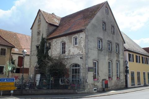 Nebengebäude (ehem. Brauhaus) Ehemalige Gaststätte mit Nebengebäude in Uehlfeld... Handwerker und Sanierer aufgespasst!