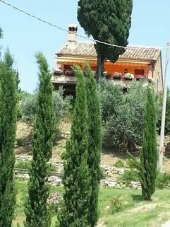 PI0374_mvc-001f.jpg Ehrwuerdige villa zw. Meer u. Montisibillini