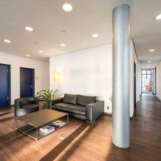 Innen4 Büros mit Transparenz und Blick in begrünte Innenhöfe