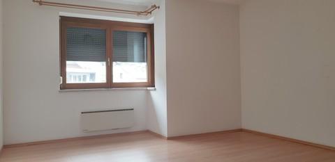 Schlafzimmer nordseitig Großzügige 4 Zimmerwohnung mit Panoramablick