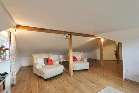 offenes Studio im DG Ideale Kombination Wohnen und Arbeiten - klassisches Einfamilienhaus in schöner ruhiger Lage
