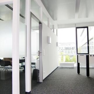 Innen5 So arbeitet man heute ... Chices Büro mit Dachterrasse