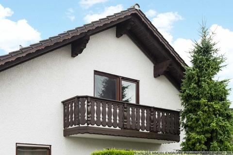 Balkon Schlafzimmer WALSER: Seltene Gelegenheit: Außergewöhnliche 3-Zimmer-Dachgeschoß-Wohnung im Zweifamilienhaus