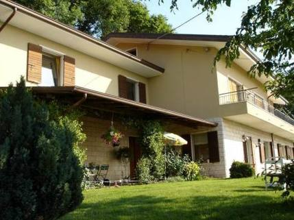 PI0148_mvc-001f.jpg Vrijstaande villa op de heuvels van de Valpolicella