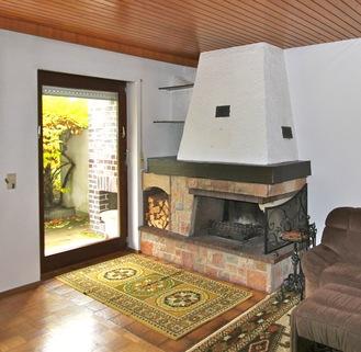 Kamin im Wohnzimmer Charmante Doppelhaushälfte in schöner, ruhiger Lage von Solln