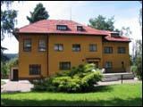 PH0123_mvc-001f.jpg Herrschaftsvilla aus den 30er Jahren