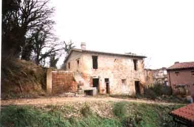 IP0008_mvc-001f.jpg Renovierungsbed. Bauernhaus mit Grundstueck in Umbrien