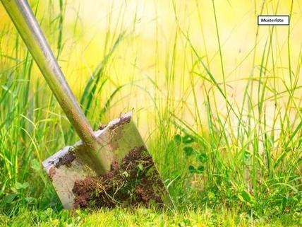 Grundstück_Wiese_Musterfoto Grundstück in 51570 Windeck, Wasserburg