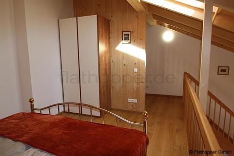 Bild 8 FLATHOPPER.de - 1,5 Zimmer-Galerie-Wohnung im Holzhaus mit Balkon -  bei Otterfing