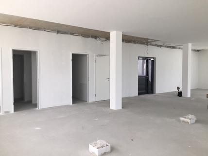 IMG_0159 160 m² Bürofläche zur Miete Hall-West