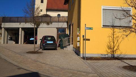 Stellplatz mit Garagen Wohn- und Geschäftshaus - Gut gehende, alt eingesessene  Gastronomie mit  Ferienwohnungen