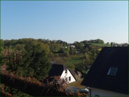 Blick ins Tal Schicke Wohnung mit Garten, Terrasse, Stellplatz und wunderschönem Ausblick ins Tal