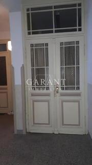 Wohnungs Eingang - Teil 1 Gepflegtes Mehrfamilienhaus mit 8 Wohneinheiten in zentraler Lage in Ölsnitz-/Vogtland !