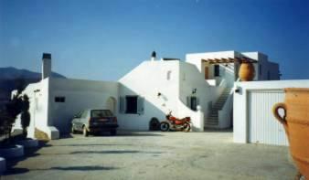 PGR0030_mvc-001f.jpg Villa mit Separathaus und panoramischer Sicht auf PAROS