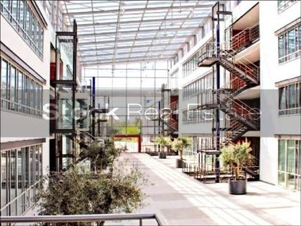 Eingangshalle_prot STOCK - PROVISIONSFREI - Lichtblick für Ihr Business!