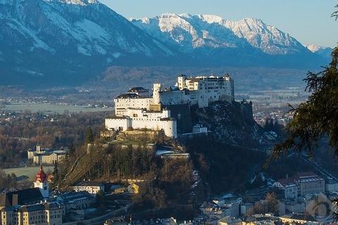 Salzburg Rarität: Moderne Designer-Villa im Edelrohbau in sehr beliebter Lage von Salzburg