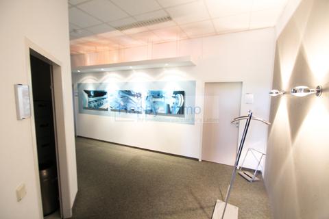 Flur 7 Zimmer Büro - 2 Eingänge, Teeküchen & Toiletten, ca. 366 m²