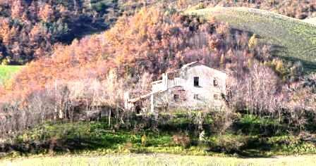 N12820006_mvc-001f.jpg Grosses Landhaus zum restaurieren in Stadtnähe.